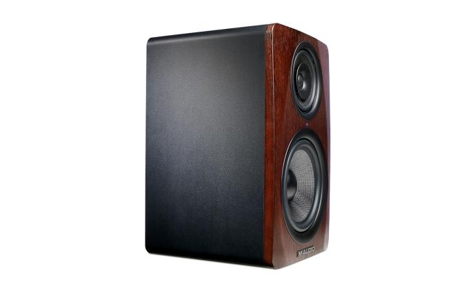 M-Audio_M3-8_Angle