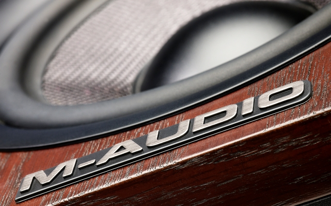 M-Audio_M3-8_Detail2
